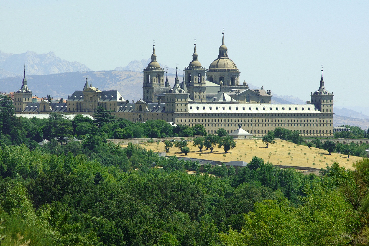 A tour around Las Rozas, San Lorenzo de El Escorial, Guadarrama, Navacerrada and Manzanares El Real